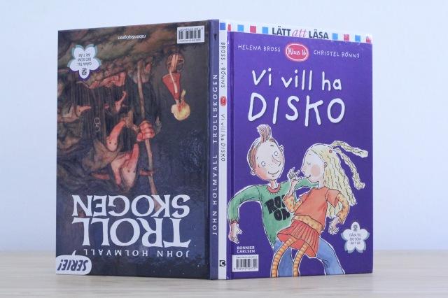 Boken-stående-Disko-framåt.jpg